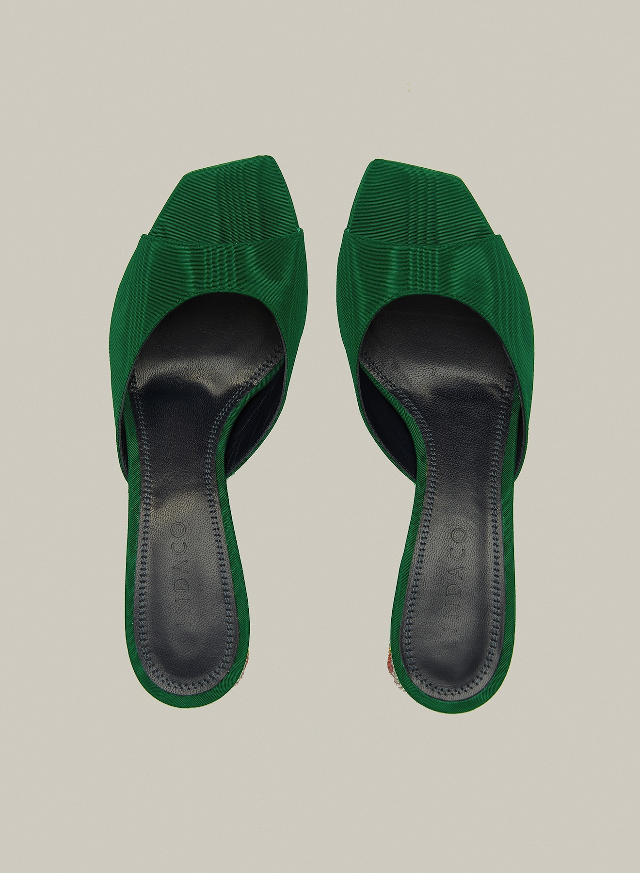 "MIDNIGHT / ADE SANDAL <p class=""des-1-prodotto"">Moire Leaf</p>"
