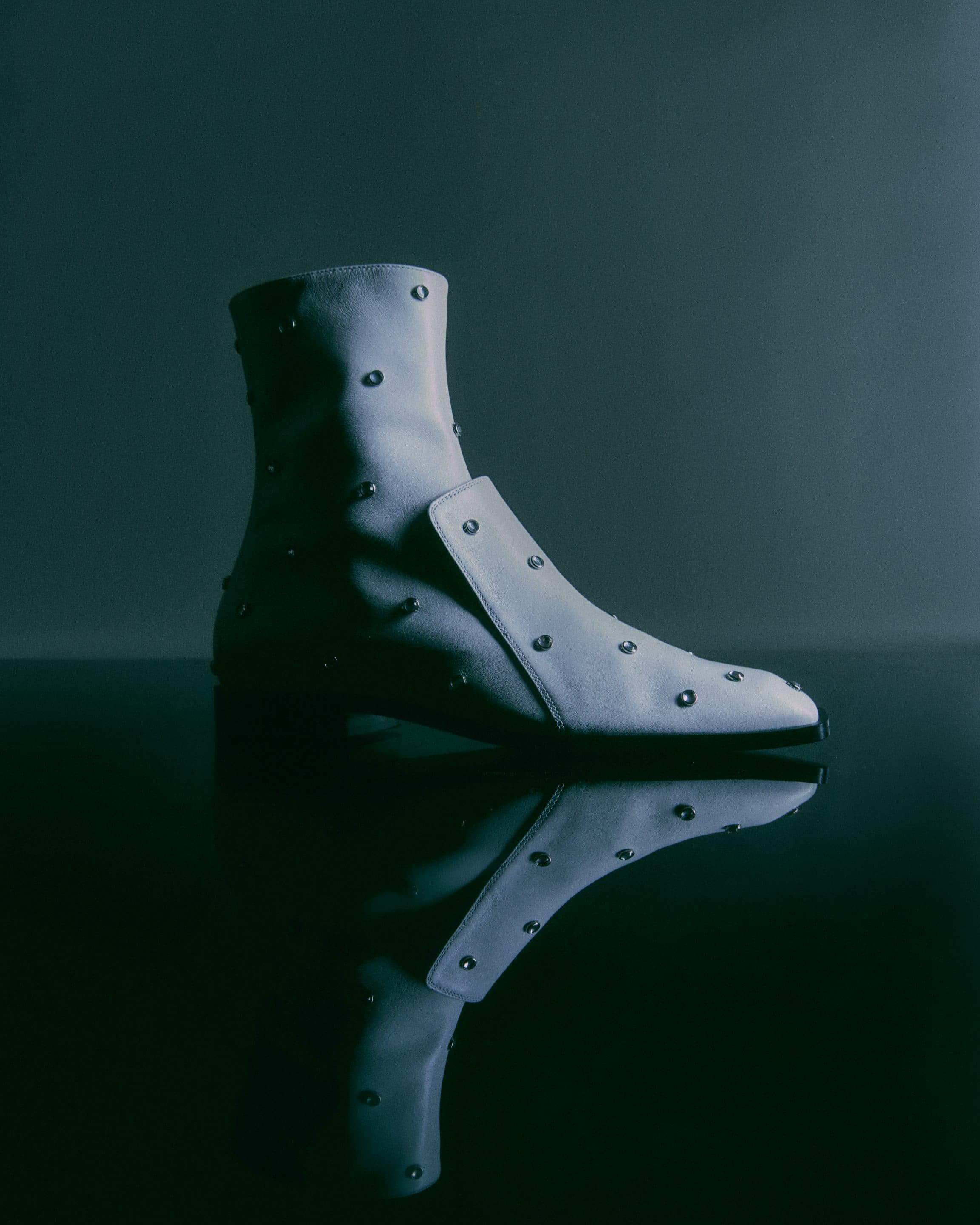 IINDACO NARCISO BOOTIE CALF WHITE WITH CABOCHON FW21